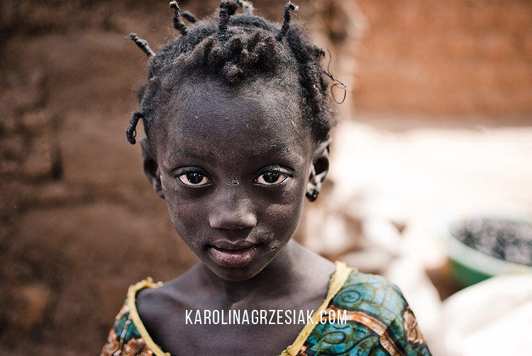 burkina faso african child portrait 01
