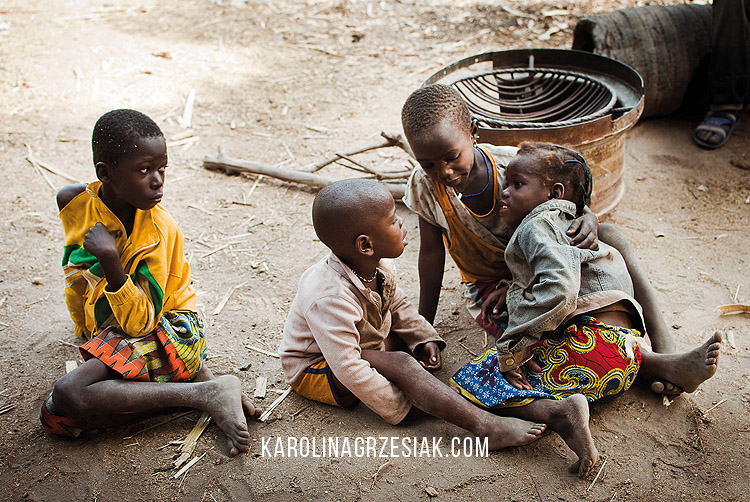 burkina faso african in a village children 02