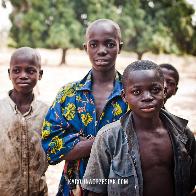 burkina faso african in a village children 03